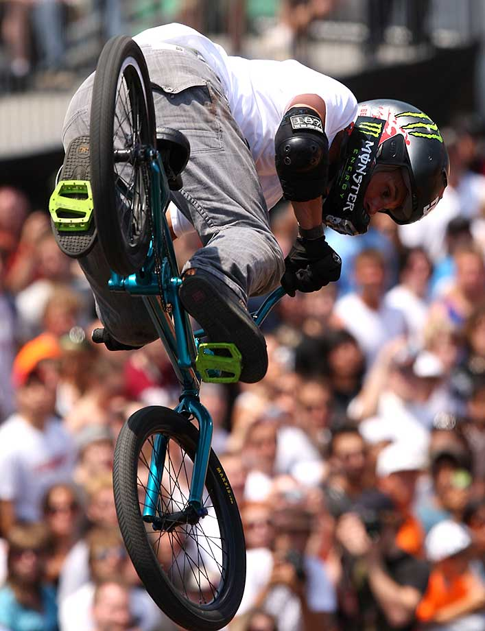 Dave Mirra during the BMX Park Final of the Nike 6.0 BMX Open in June 2009 at Grant Park in Chicago.