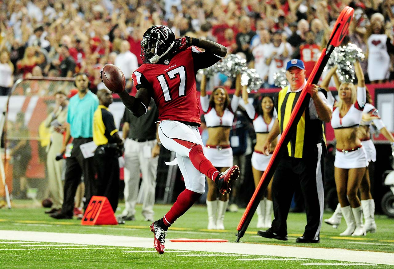 Devin Hester took over sole possession of first in NFL career return touchdowns with this punt return against the Tampa Bay Buccaneers in the Thursday night game.