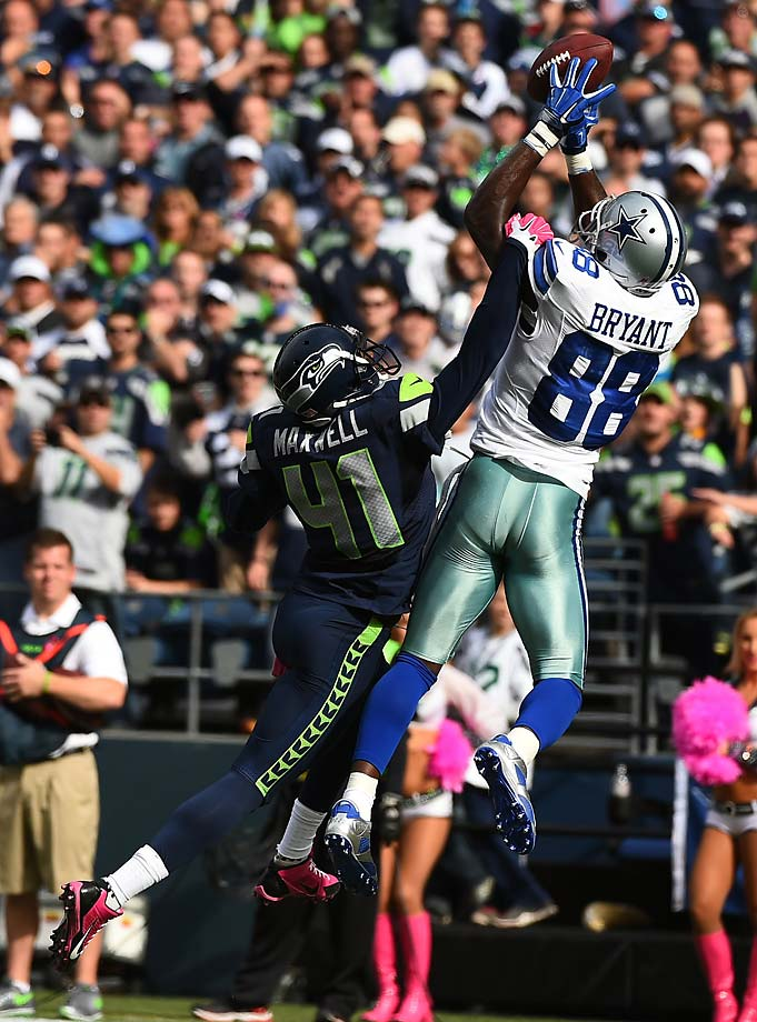 Byron Maxwell breaks up a pass intended for Dez Bryant.