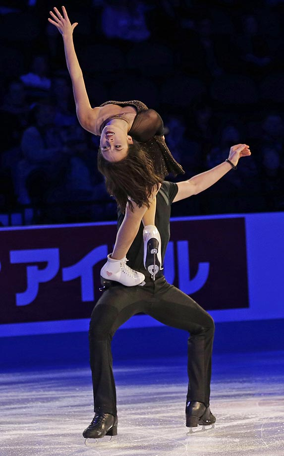 Madison Chock and Evan Bates perform at Skate America in Milwaukee.