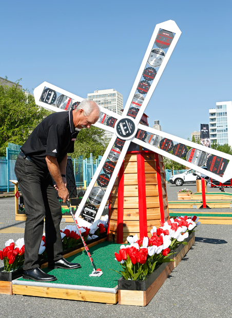 Gary McCord at the 2013 Craftsman Father's Day Miniature Golf Classic in Philadelphia. (AP)