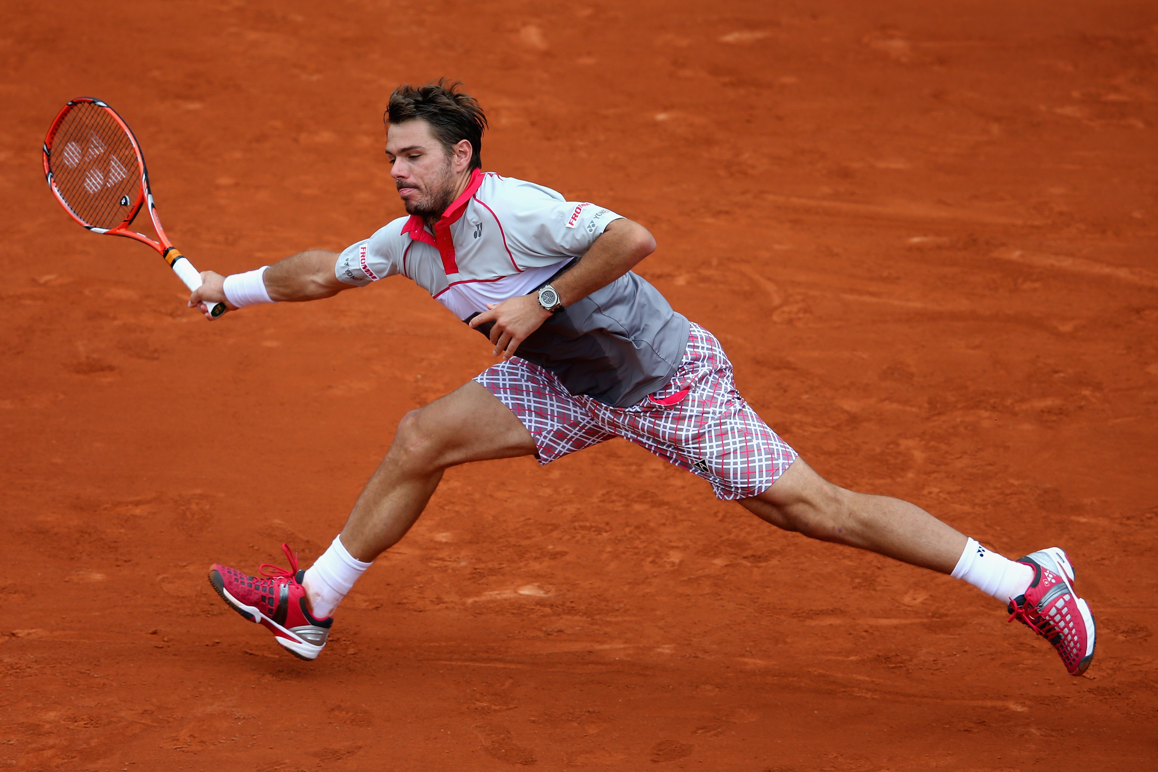 A first round loser last year, Stan Wawrinka put on a clinic to beat Marcel Ilhan 6-3, 6-2, 6-3.