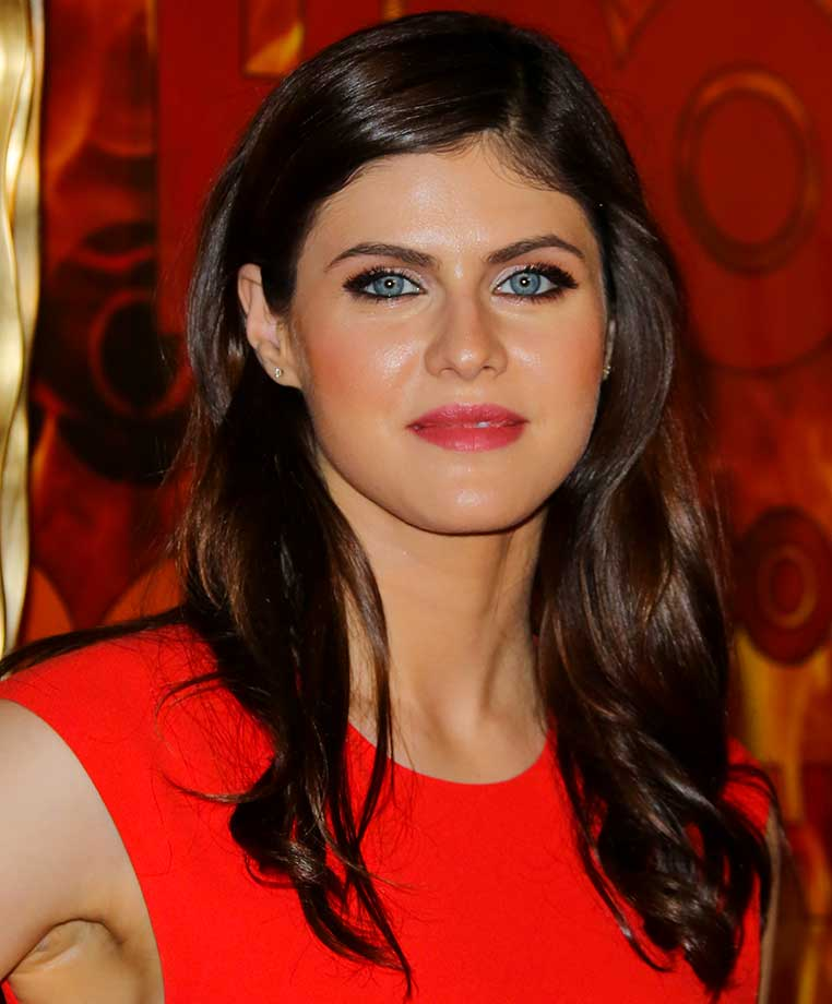 Alexandra Daddario :: Getty Images