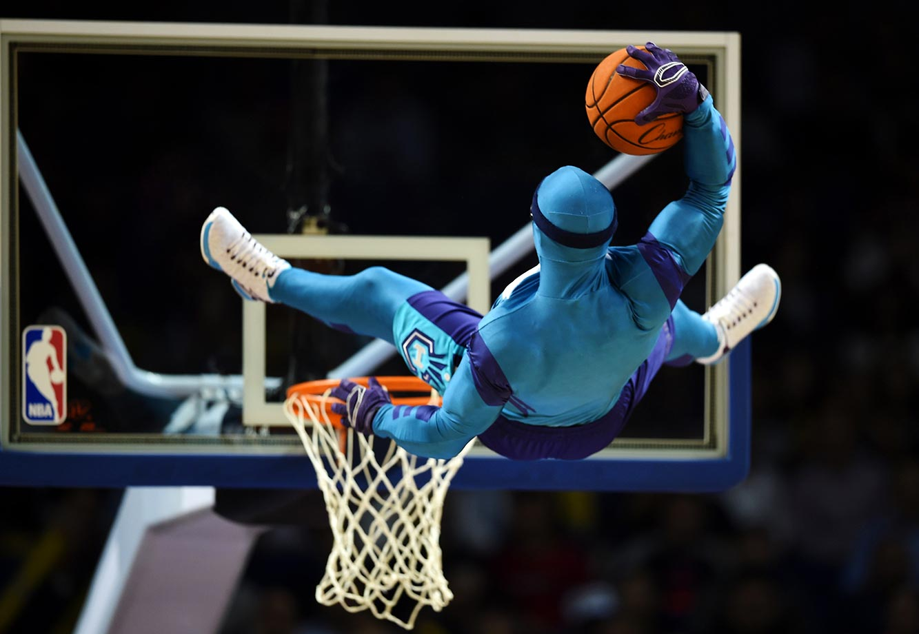 A fancy stunt before the 2015 NBA Global Games China preseason basketball match.