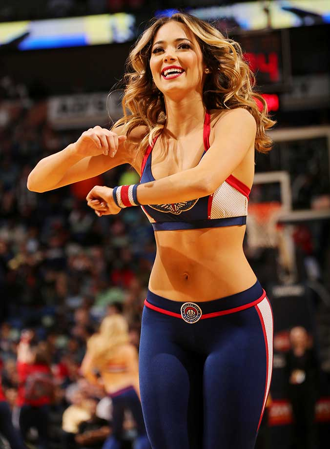 The New Orleans Pelicans dance team performs during the game against the Los Angeles Clippers.