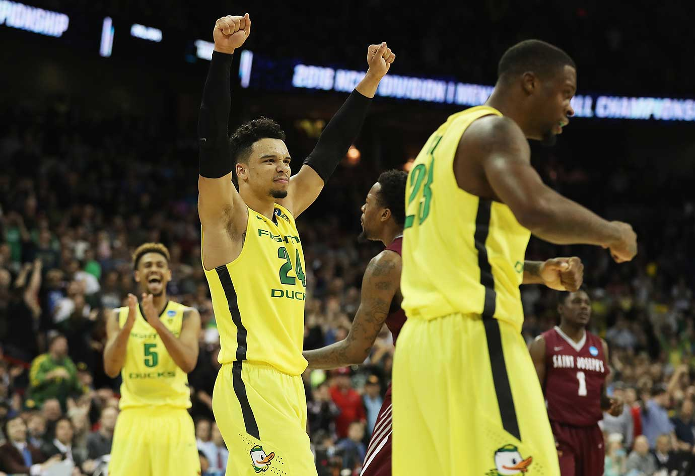 Dillon Brooks and the Oregon Ducks are moving on to the Sweet 16 after a 69-64 win over St. Joseph's.