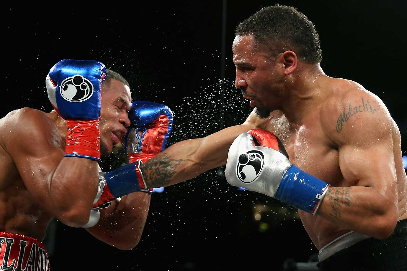 Andre Ward (right) won his light heavyweight bout against Sullivan Barrera with a unanimous decision.