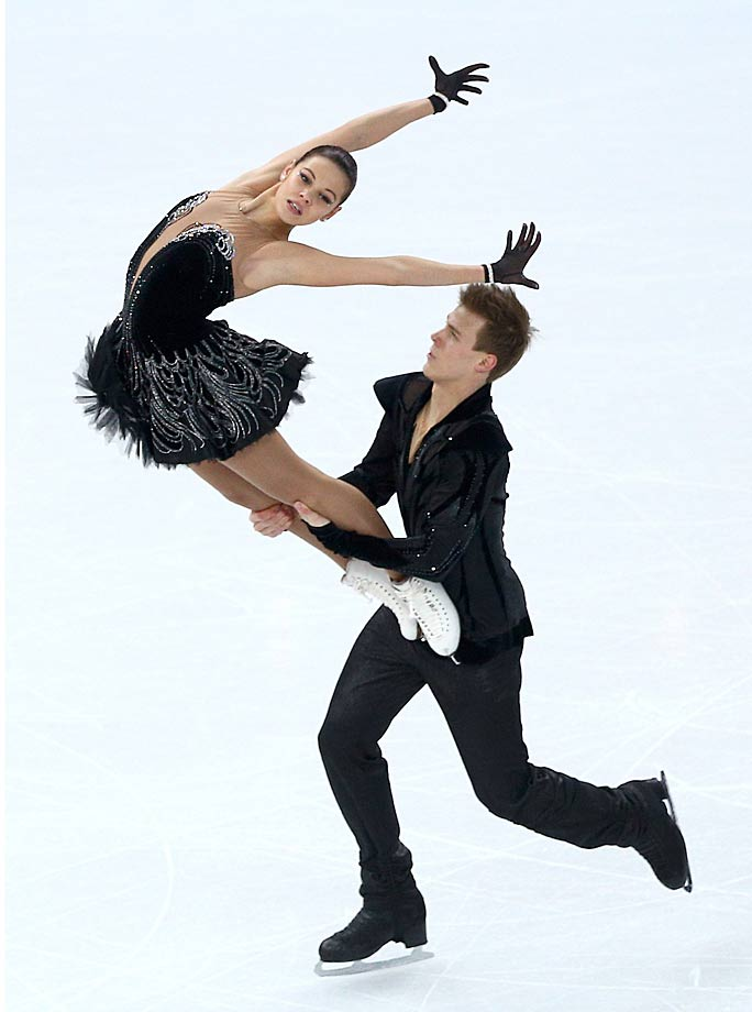 Elena Ilinykh and Nikita Katsalapov of Russia compete in the Team Ice Dance Free Dance .