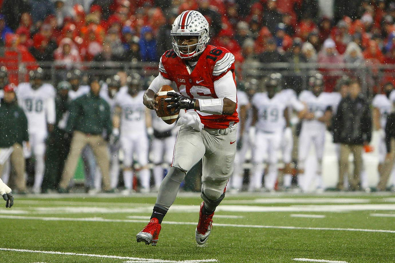 After splitting time with Cardale Jones last season, Barrett will finally have the quarterback position to himself for the first time since he helped get the Buckeyes to the national championship in 2014. He only threw for 992 yards and 11 touchdowns in all of last season after throwing for 2,834 yards and 34 touchdowns in '14.