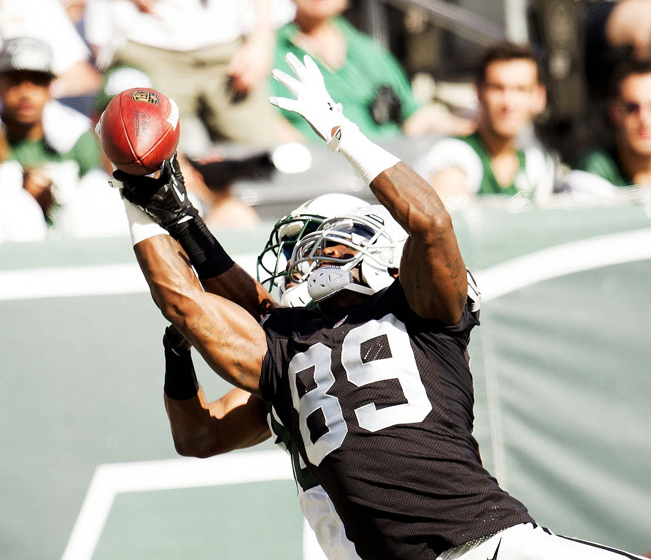 In his first game as a Raider, James Jones made three grabs for 36 yards and scored once.