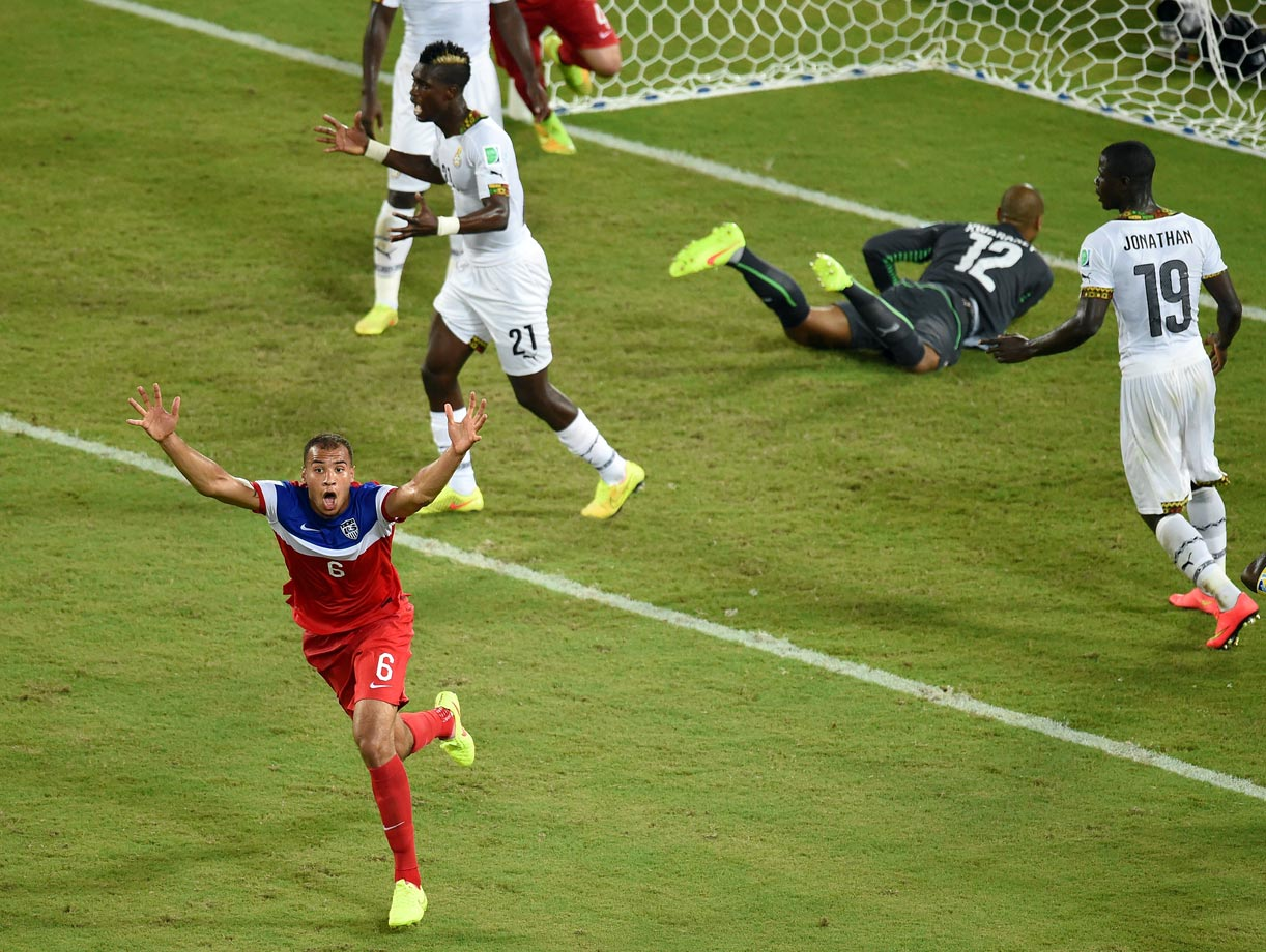 John Brooks hits the game-winning goal for Team USA in the closing moments of the game.