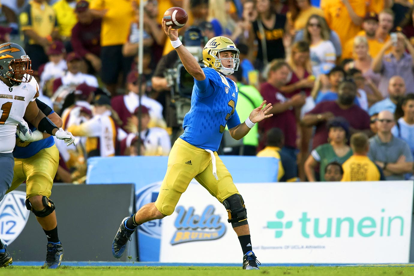 UCLA's first true freshman to start the season at quarterback, Rosen led UCLA to an 8–5 record and a bowl appearance en route to a Freshman All-America selection by USA Today. The Associated Press also named him the Pac-12 Newcomer of the Year.