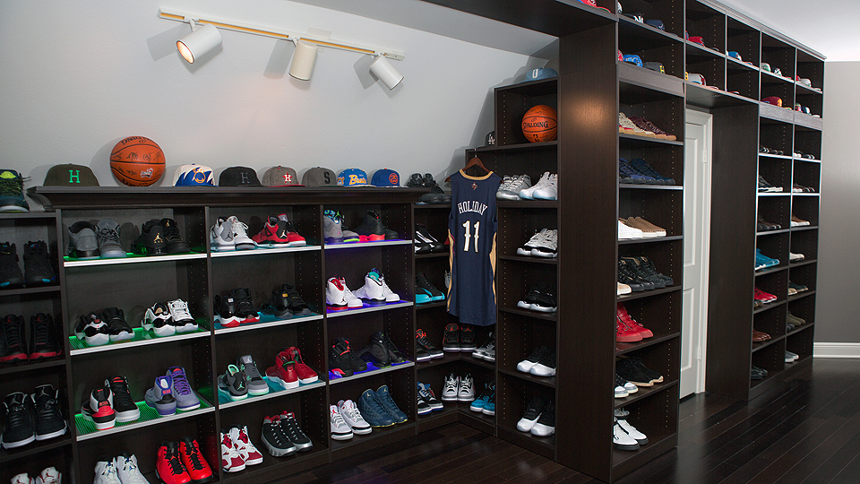 Inside Pelicans Pg Jrue Holiday S Sneaker Library Si Com