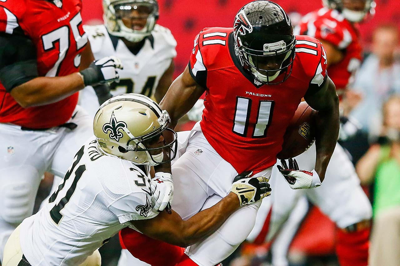 Julio Jones of the Falcons loses control of the ball before he can cross the goal line.