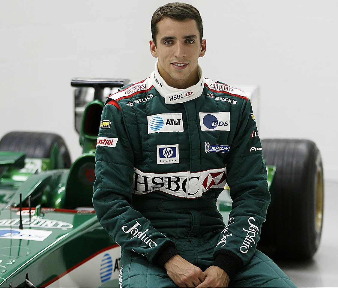Justin Wilson was born on July 31, 1978, in Sheffield, England. He was dyslexic and would later work on behalf of foundations that researched the disorder. He got his start racing karts at age 9 and moved on to open-wheel circuits, beginning with Formula Vauxhall. In 1998 at age 20 he won nine races and the inaugural Formula Palmer Audi Championship.