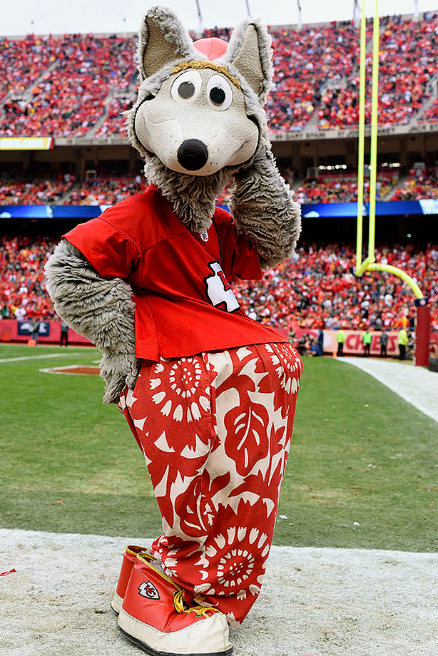 KC Wolf Is The Randy Quaid Of NFL Mascots Chiefs Went PC Route
