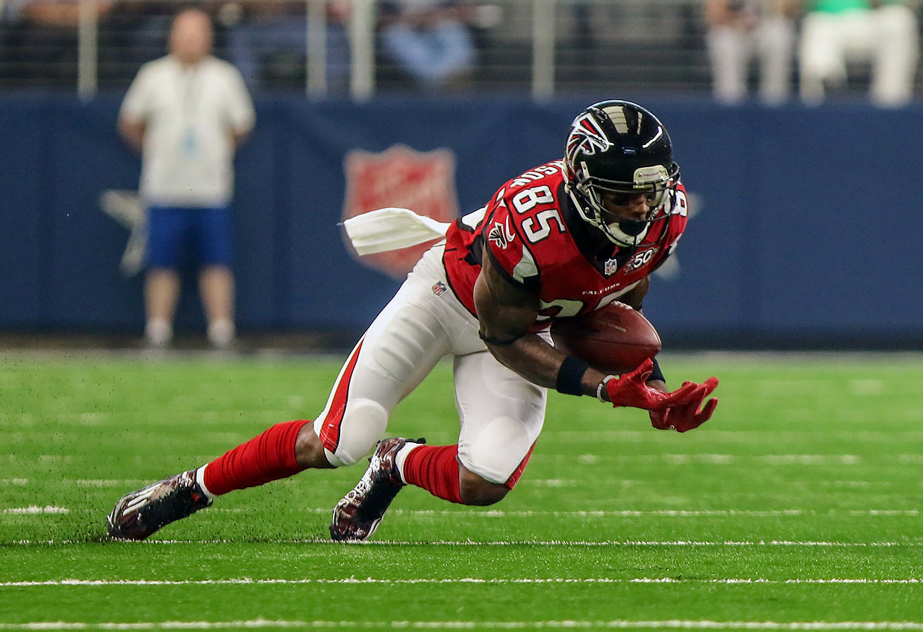 The other members of the top three also have their uses as return men, so they have an excuse for their drop rates. Hankerson adds no such value on special teams, and it's unclear why he's been featured so prominently in Atlanta's offense. Roddy White has never had the greatest hands himself—he led the NFL with 15 drops in 2011, and posted a below-average 8.2% drop rate last season. But it's baffling why the Falcons have elected to upset their longest-tenured player by giving his No. 2 WR role to a player who played just 23 snaps for Washington last year, recording zero targets. Hankerson tweaked his hamstring in a victory against the Titans in Week 7, possibly giving White another shot to replace a guy who might just have the worst hands of any professional wideout.