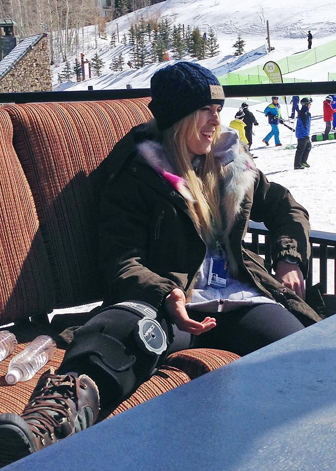Lindsey Vonn nursing her surgically repaired right knee back to health in March 2014.