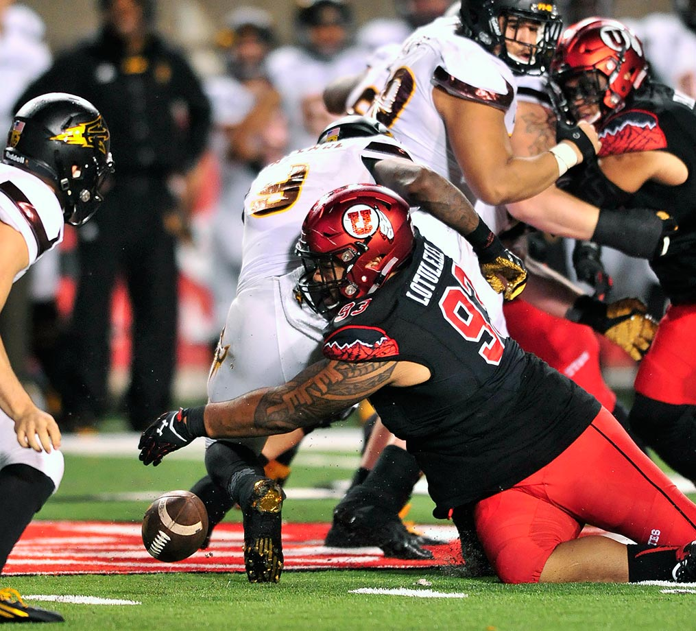 The younger brother to former Utah standout and current Carolina Panthers defensive tackle Star Lotuleilei, Lowell Lotuleilei followed up on his Freshman All-America 2014 season with a first-team All-Pac-12 selection as a sophomore. He has appeared in every game his first two years, amassing 59 tackles and five sacks in his career. Last year, Utah's rush defense allowed the sixth-fewest yards in the country.