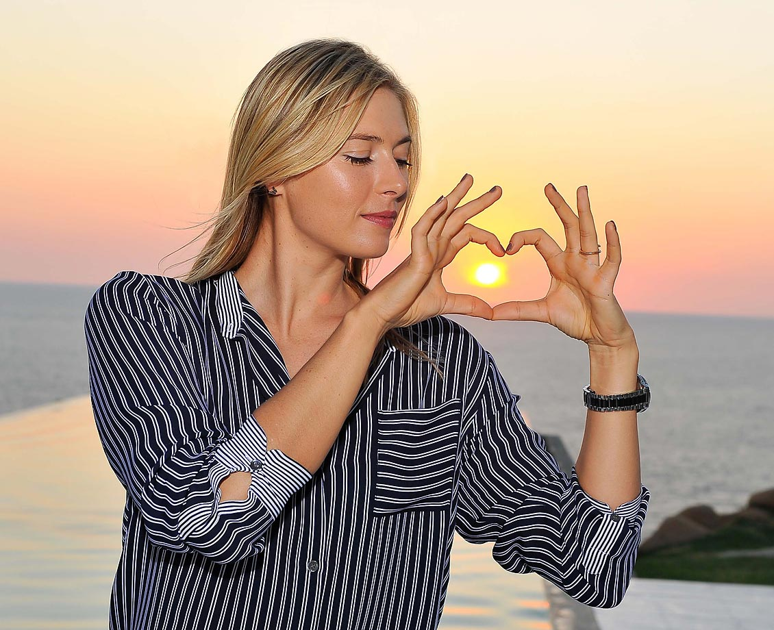 Maria Sharapova poses for a creative shot in Acapulco.