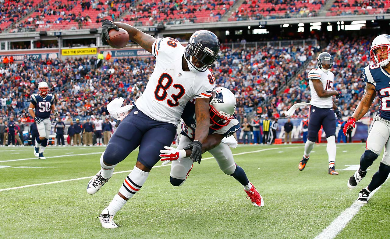 Martellus Bennett led Chicago in receiving in its 51-23 loss, pulling down six passes for 95 yards and scoring one touchdown.