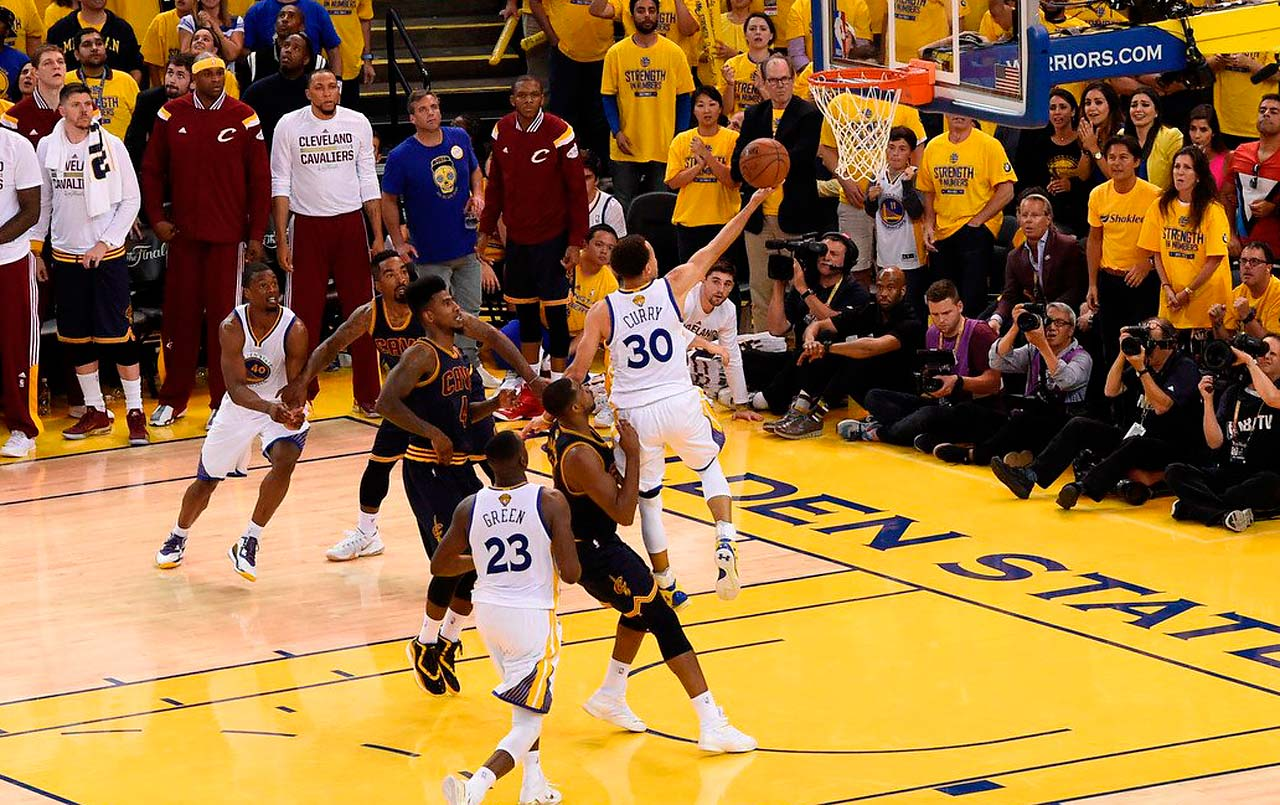 Steph Curry's finger-roll with 7.2 seconds remaining tied the game and were the final points scored in regulation.