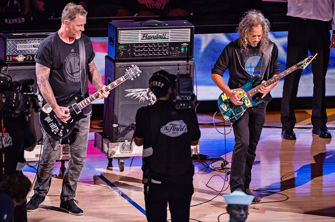 Metallica played the national anthem before Game 5.