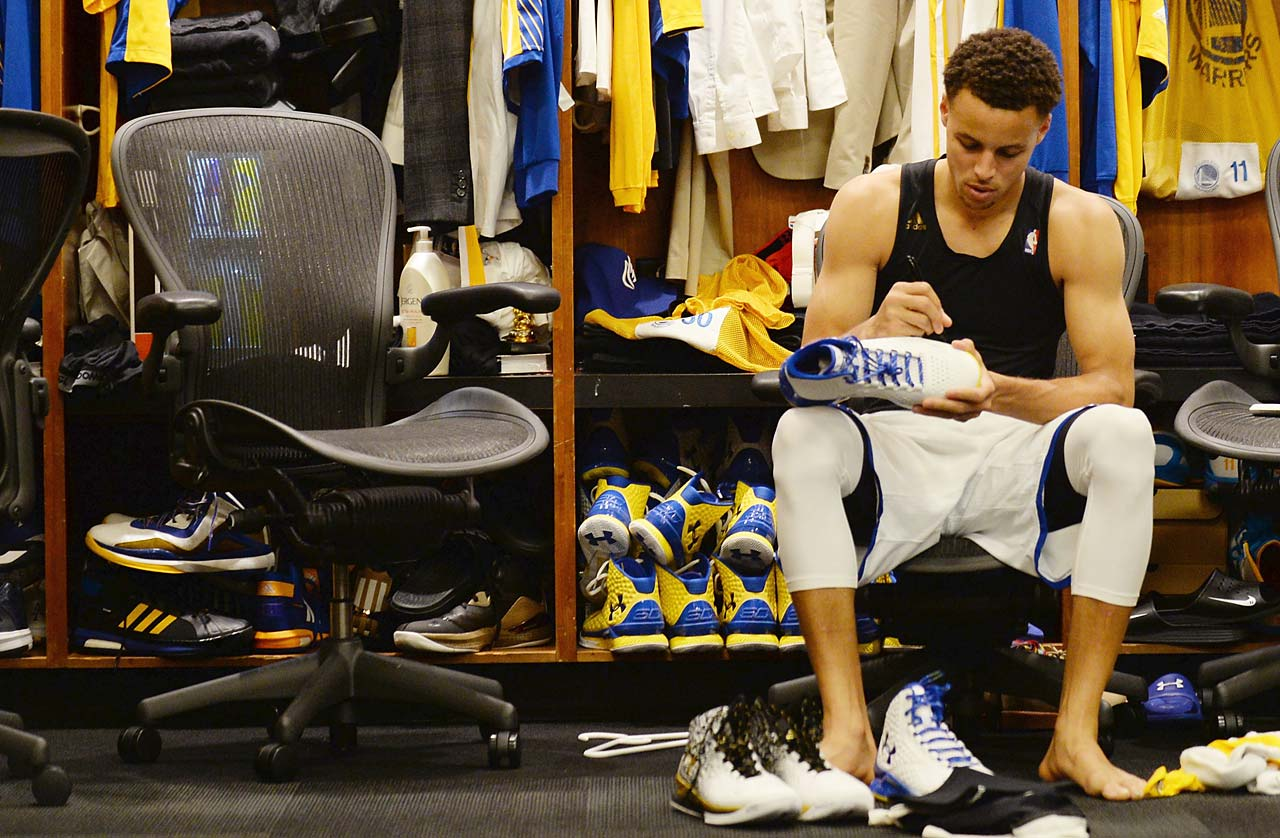 Stephen Curry at his locker before scoring 37 points in Game 5.