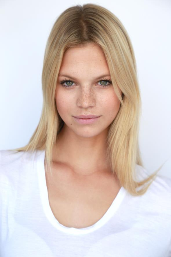 Nadine Leopold :: Courtesy of IMG Models