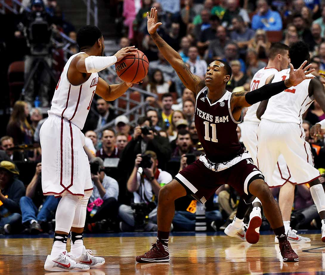 Anthony Collins and the Texas A&M Aggies were no match for the high-powered Sooners, who won 77-63.
