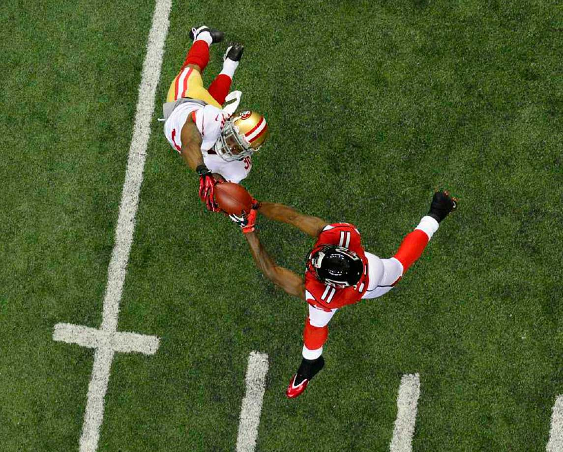 Julio Jones makes a play on the ball against the San Francisco 49ers in a 2013 NFC playoff game.