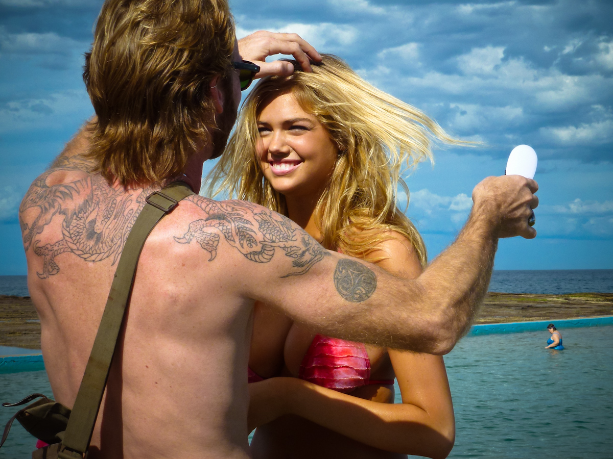 Behind The Scenes Of Kate Upton's Beach Photo Shoot new foto