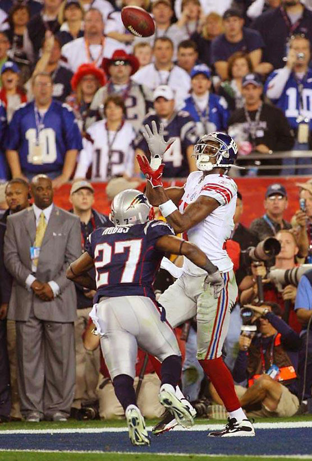 Less than a year after Burress caught the winning touchdown in Super Bowl XLII to stun the unbeaten New England Patriots, the Giants suspended their angular wide receiver for the final four games of the 2008 season and the playoffs after he accidentally shot himself in the leg while at a New York nightclub.