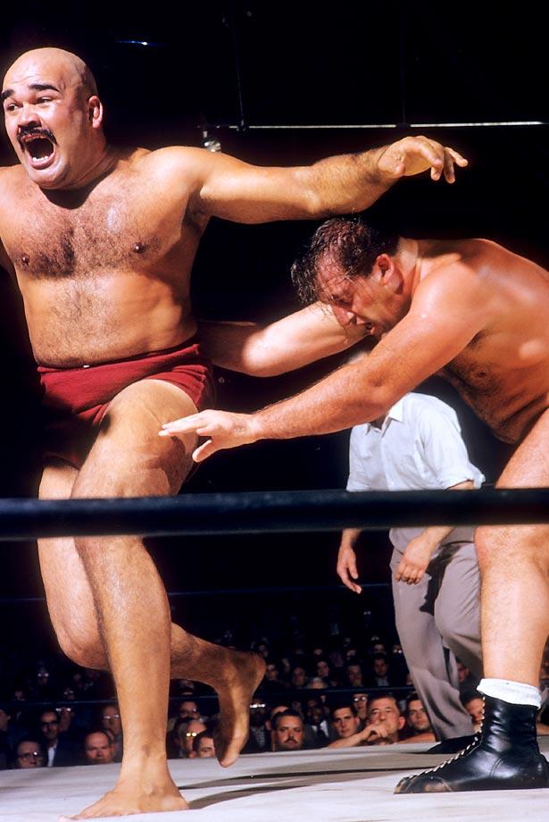 Mike DeBiasie against Kubla Khan. (red)