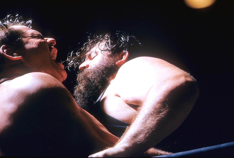 Man Mountain Dean Jr. (right) against Sandor Szabo.