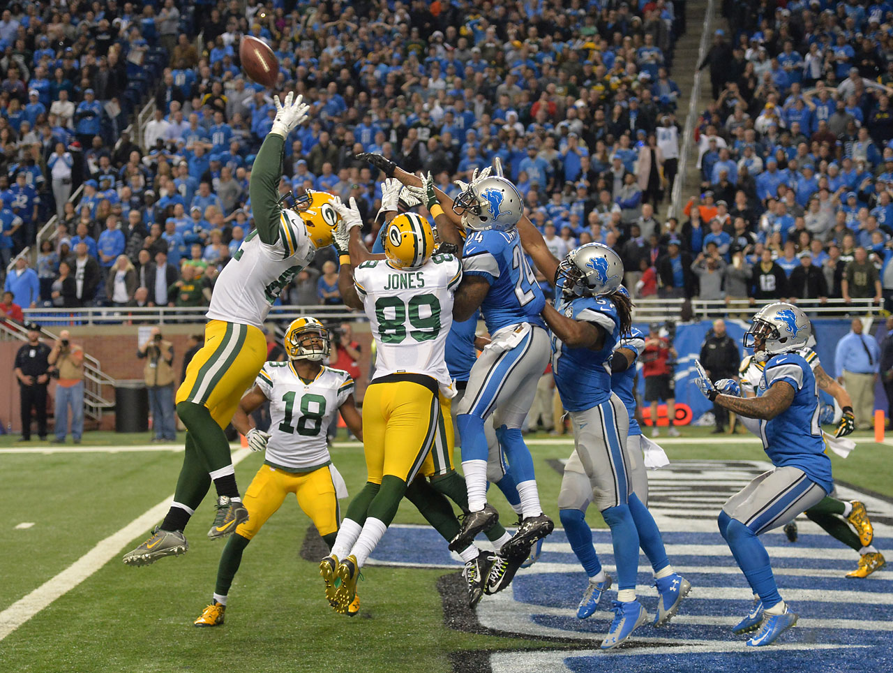 Green Bay Packers tight end Richard Rodgers catches the winning touchdown with no time remaining during Green Bay's amazing 27-23 victory over Detroit on Dec. 3, 2015, making it one of the greatest receptions of the Super Bowl era.
