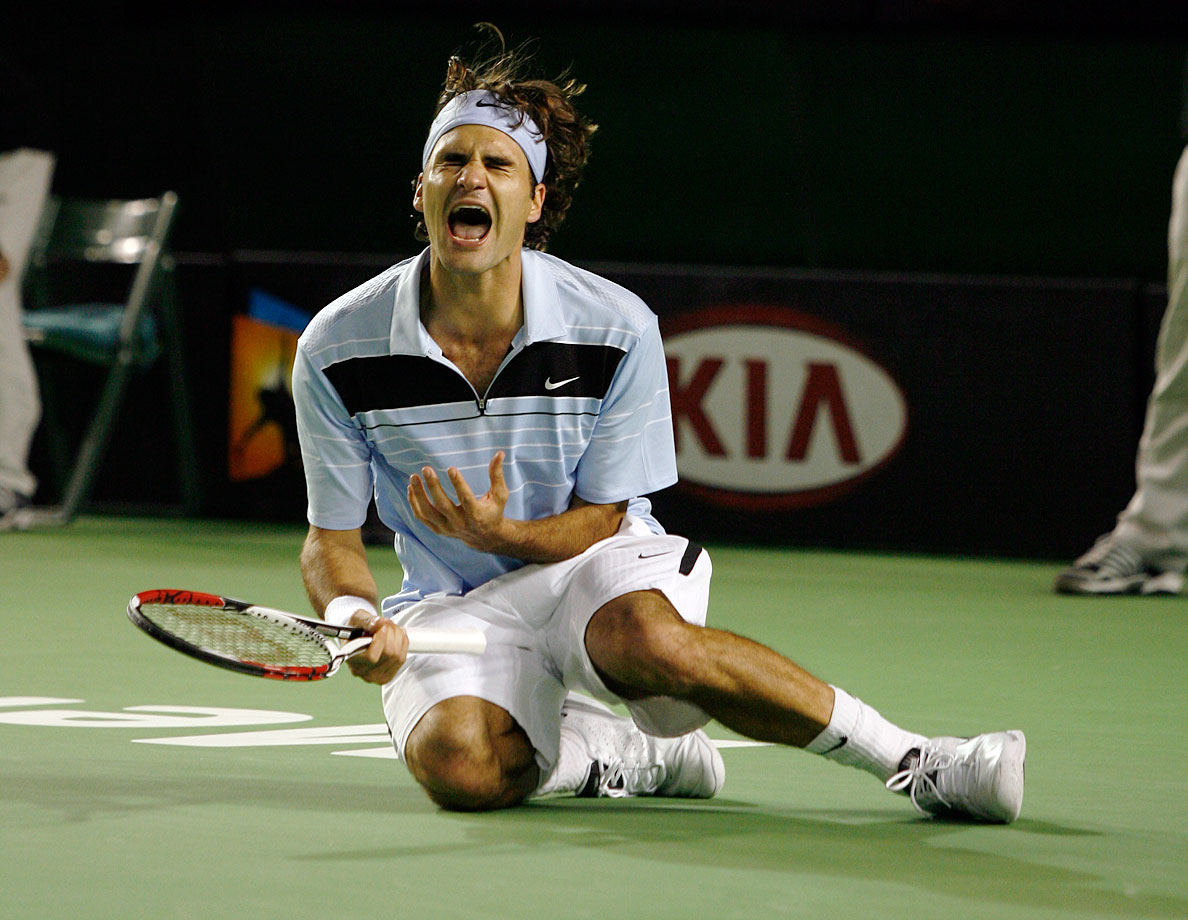 Federer won his 10th major in dominant fashion: He didn't drop a set in Melbourne, handling Tommy Robredo in the quarterfinals, Andy Roddick in the semifinals and Fernando Gonzalez in the final.