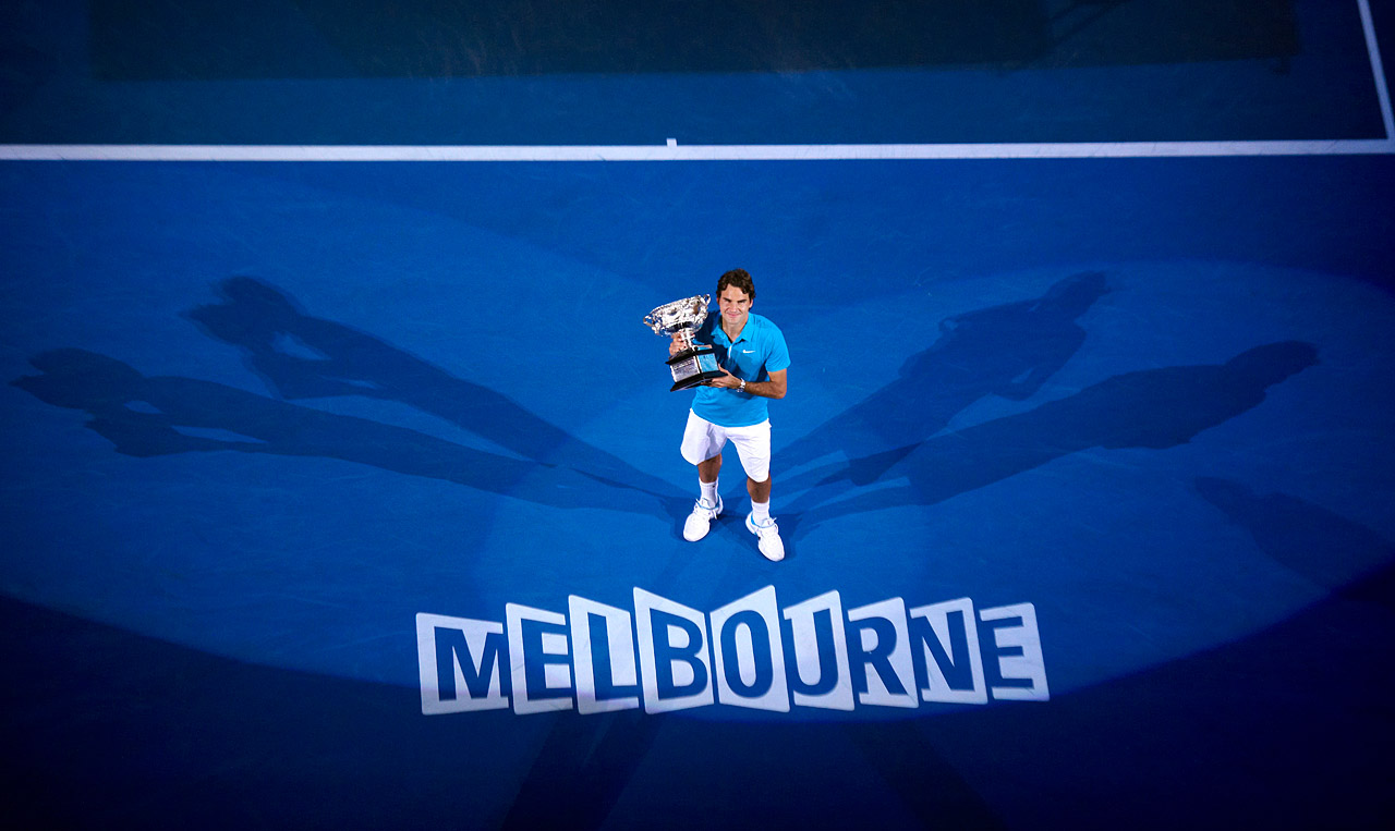Playing in his 22nd Grand Slam final, Federer was in rare form, dropping fifth-seeded Andy Murray 6-3, 6-4, 7-6(11) at the Australian Open for Grand Slam title No. 16.