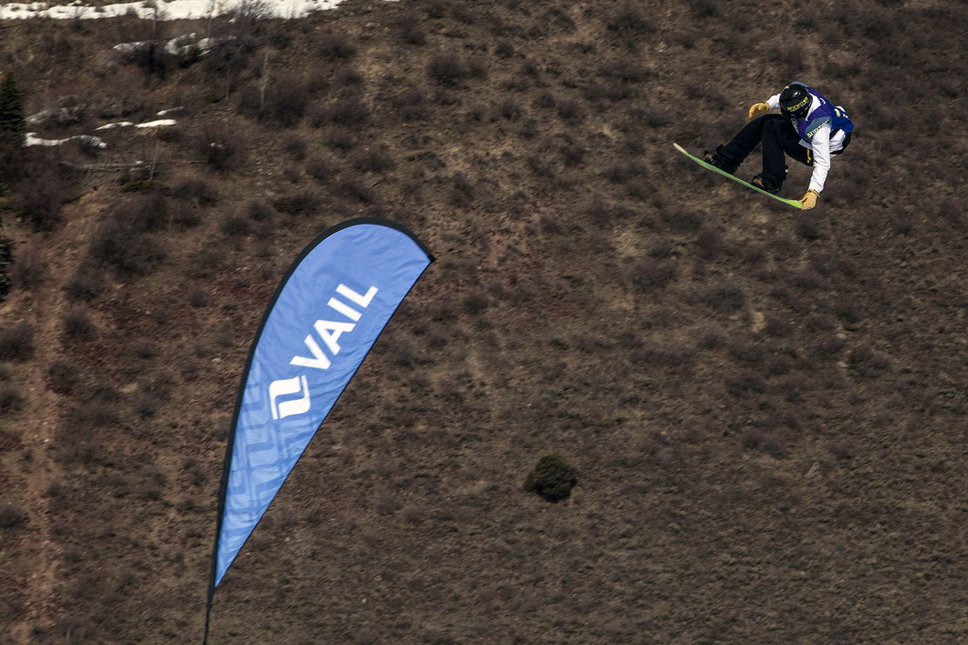 Men's Slopestyle winner Kyle Mack put an exclamation point on his breakout season. He debuted at X Games Aspen and took part in all three Air+Style tour stops, winning 2nd place in L.A. He can now add Burton U.S. Open champ to that list.