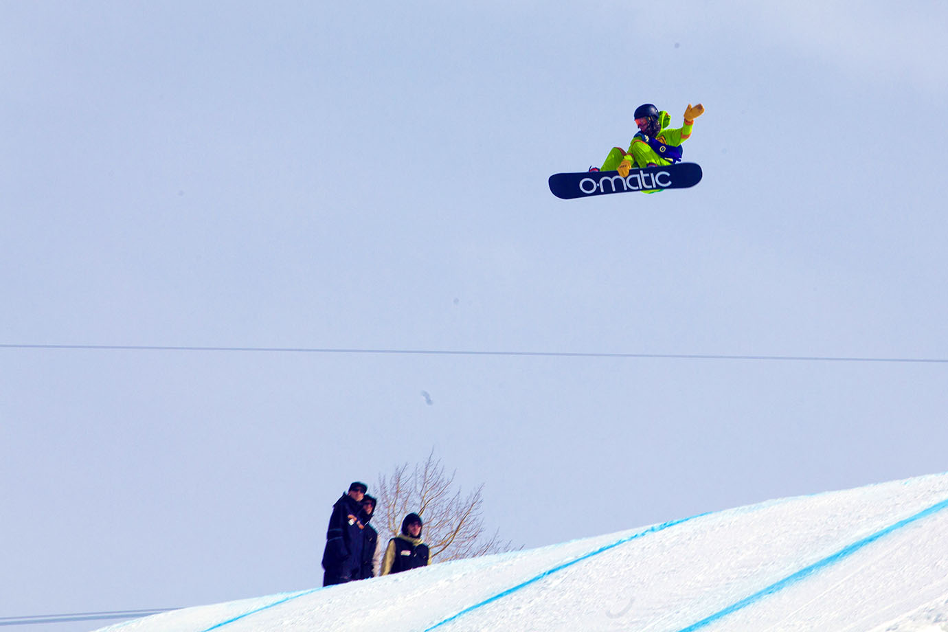 Eric Beauchemin competed wearing his lucky Teenage Mutant Ninja Turtles one-piece. The gesture was well received: Eric took second in the Slopestyle event and was given a full pizza pie after his final run.