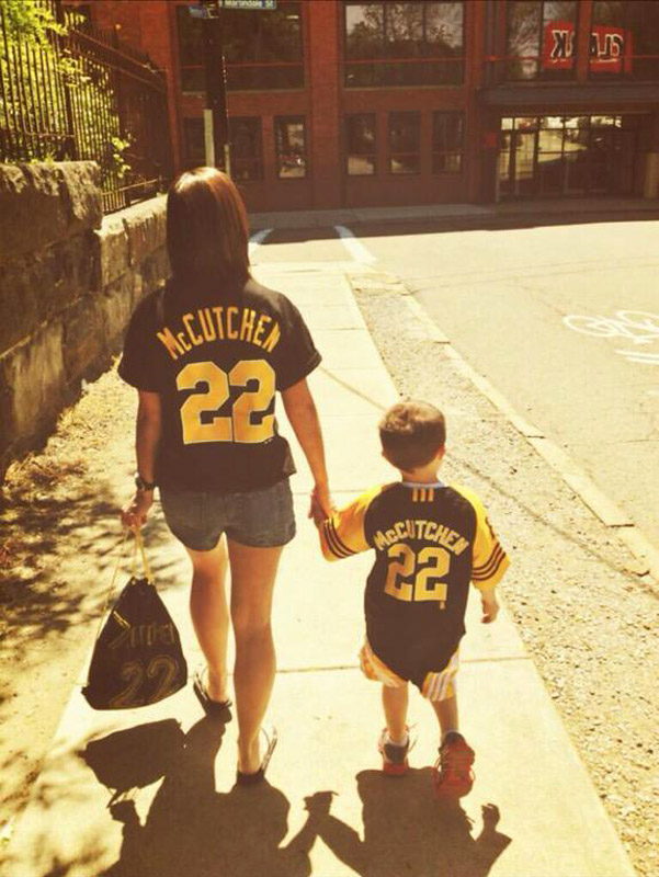 @SInow #KeepGoodGoing walking to the @Pirates game on a Sunday afternoon