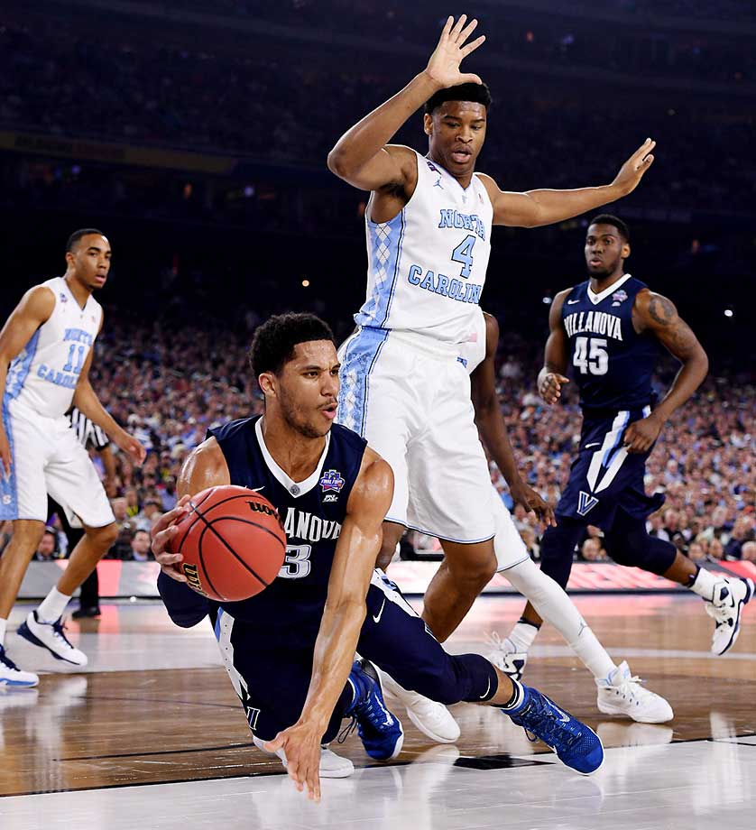 Josh Hart and the Wildcats outhustled Carolina on several plays, but also blew a 10-point lead in the waning minutes.