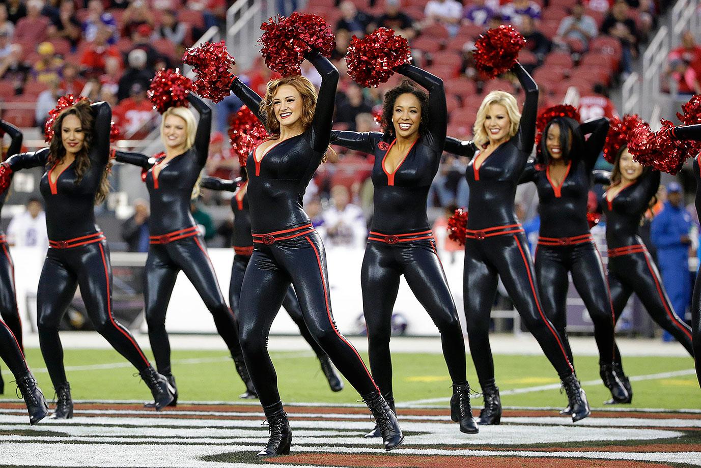 Nfl Cheerleaders Week 1 Si Com