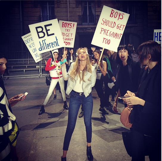 Boys should get pregnant too @chanelofficial @gigihadid @kendalljenner @joansmalls #rehearsal #PFWFollow