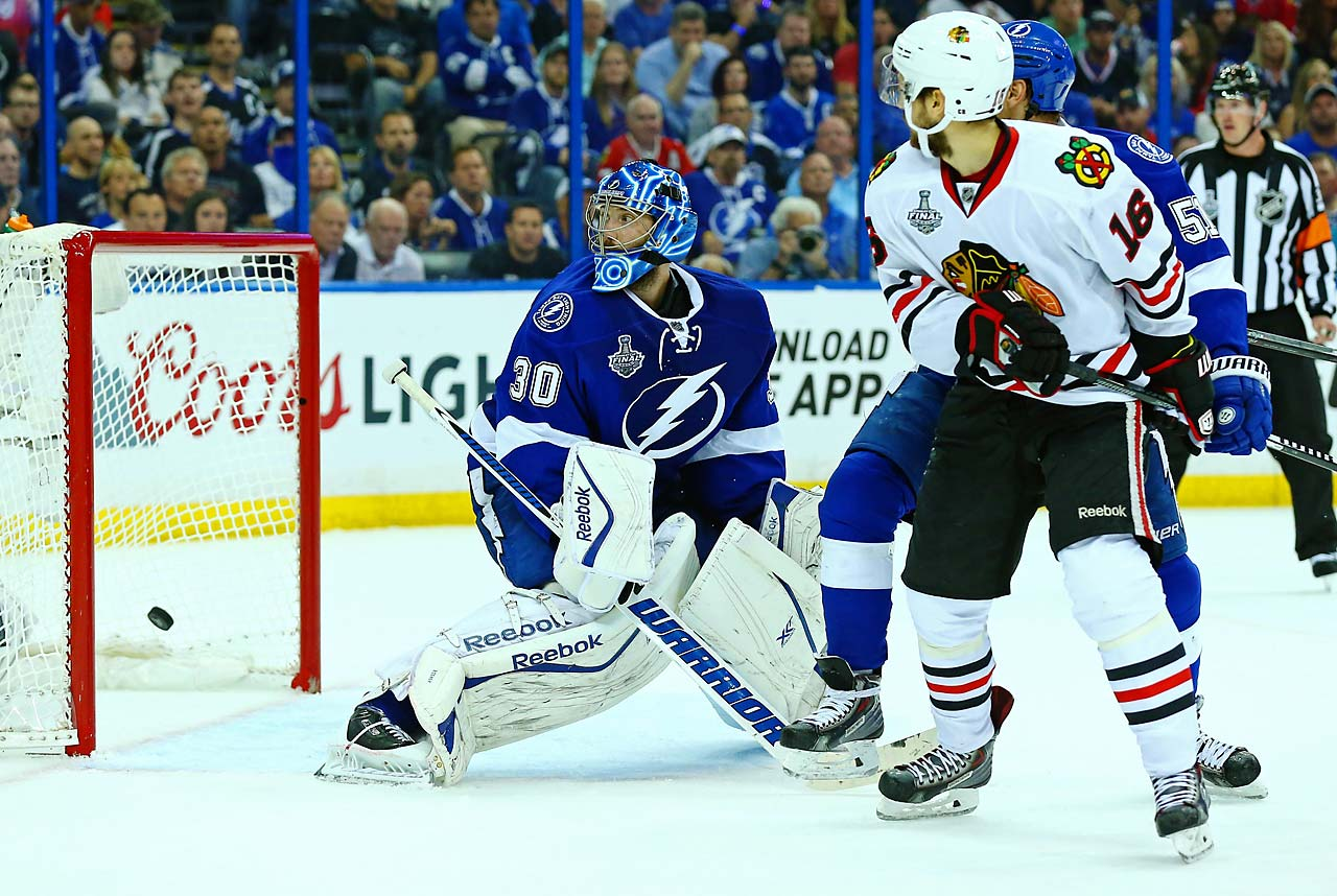 Teuvo Teravainen tied the game with this goal past Ben Bishop.