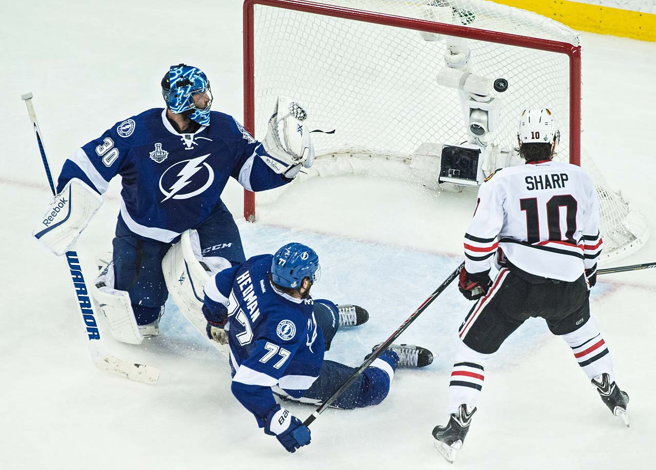 Antoine Vermette (80, not pictured) scored the winning goal for Chicago.