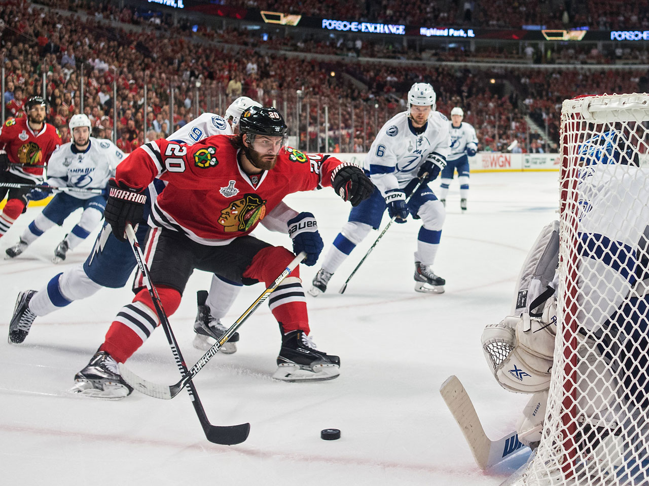 Brad Richards and Brandon Saad scored for the Blackhawks.