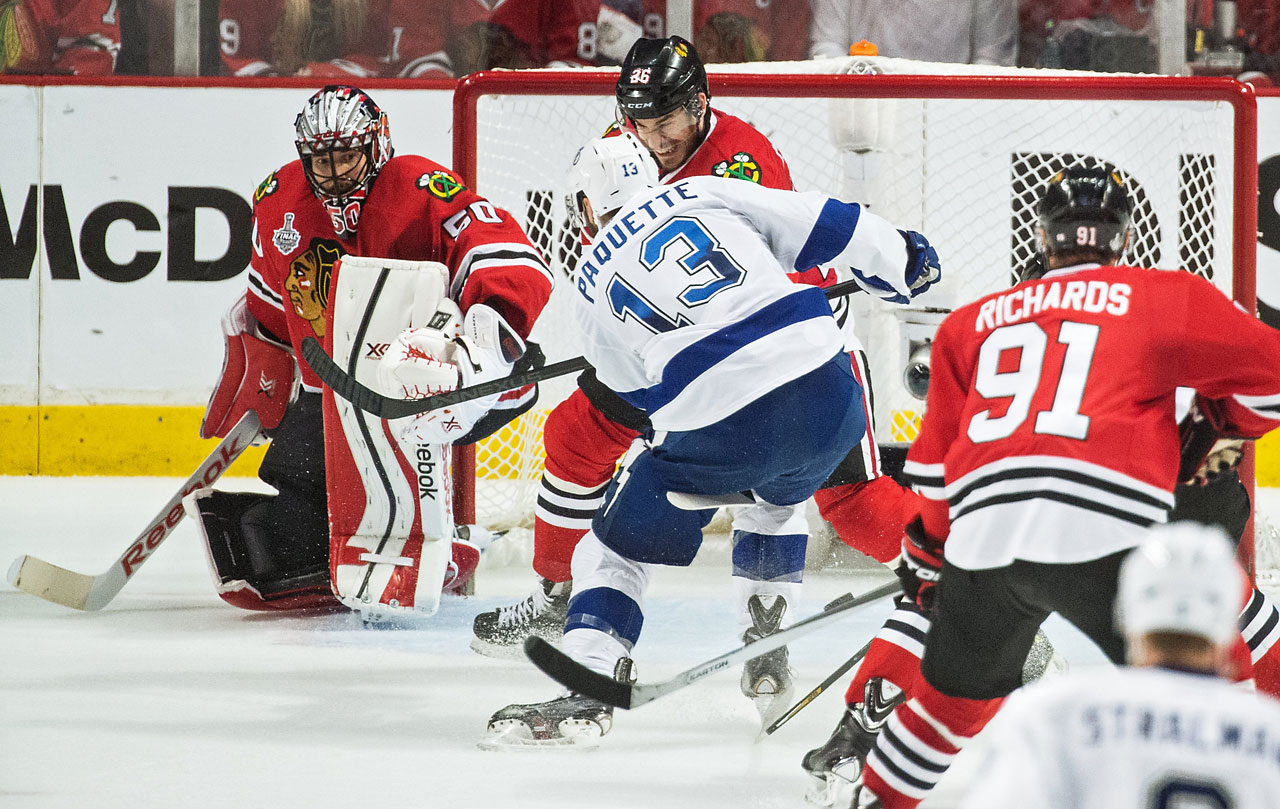 Cedric Paquette scored with 3:11 remaining to silence the Chicago crowd.