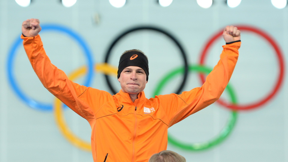 Sven Kramer of the Netherlands set an Olympic record and defended his title in the 5,000 meters, winning gold with a time of 6 minutes, 10.76 seconds.