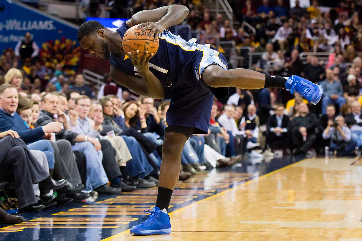 Lance Stephenson of Memphis tries to stay in bounds in a game against the Cleveland Cavaliers.